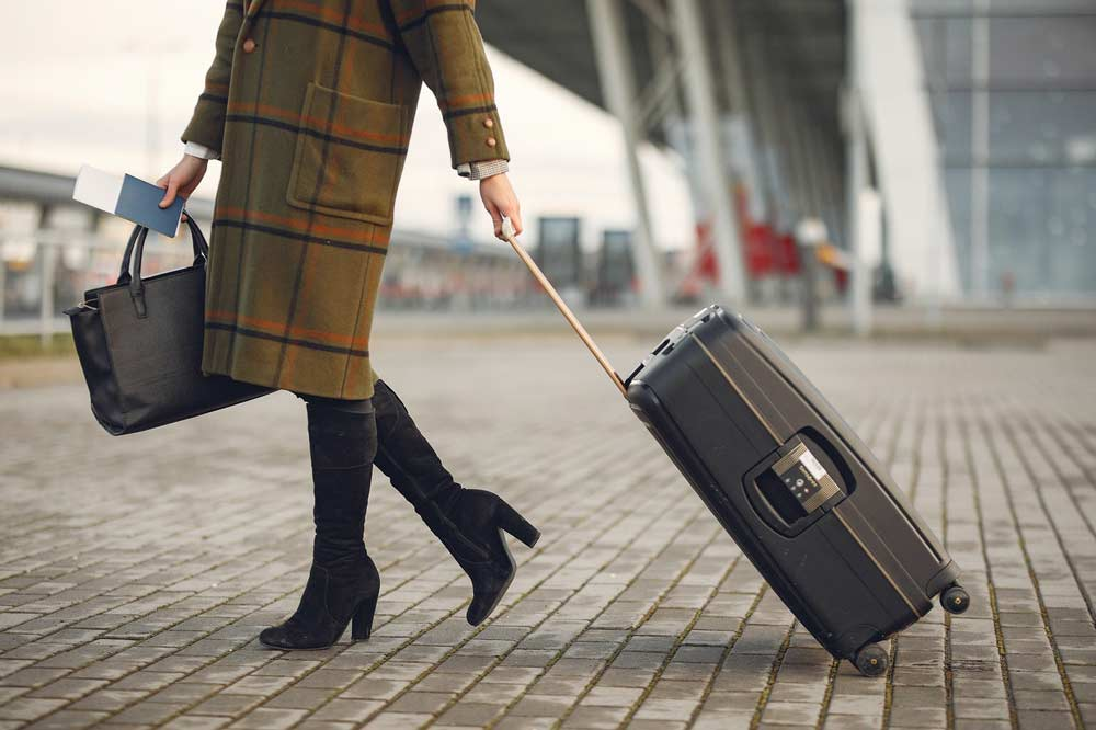 tips for traveling alone as a woman